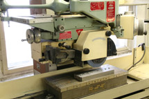 Machine for precision shape grinding (1)